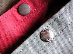 一澤帆布のスナップ刻印
