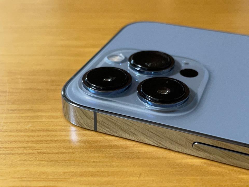 iPhone 13 Proのカメラ部分のアップ