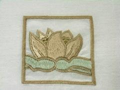ハスの刺繍